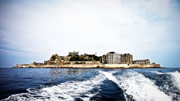Ferry saíndo de Hashima