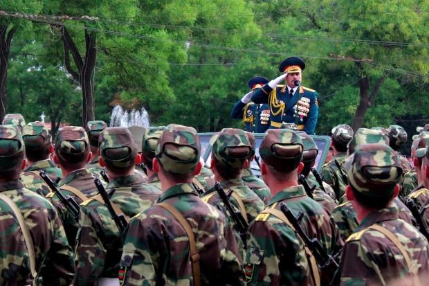 Desfile militar en Transnistria.