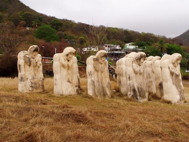 Memorial na honra dos esclavos en Anse Cafard, Martinica.